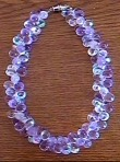 Collier en perles mauves