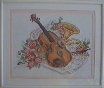Violon fleuri sur partitions